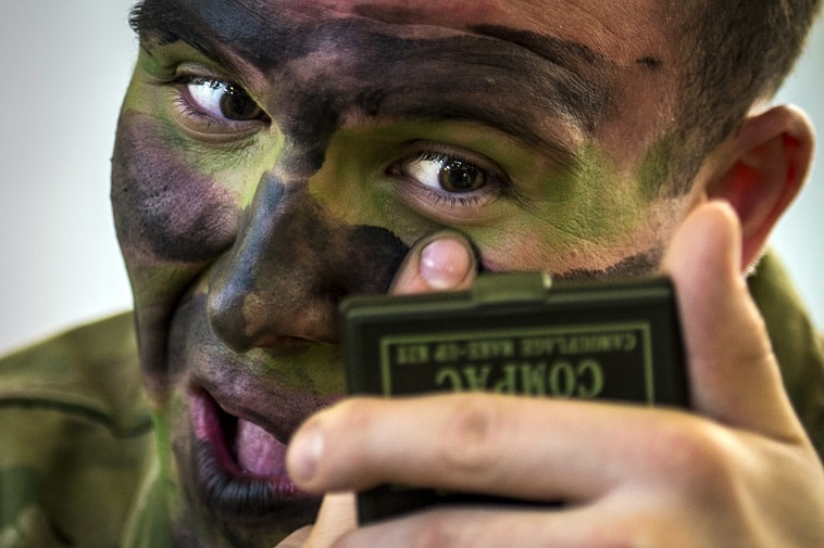 A New Eye Gel That Could Save A Soldier's Eye
