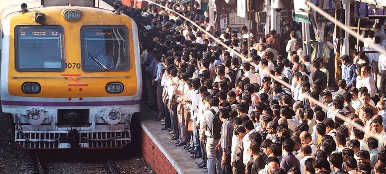 Mumbai local trains report more than 100 mobile phones theft daily
