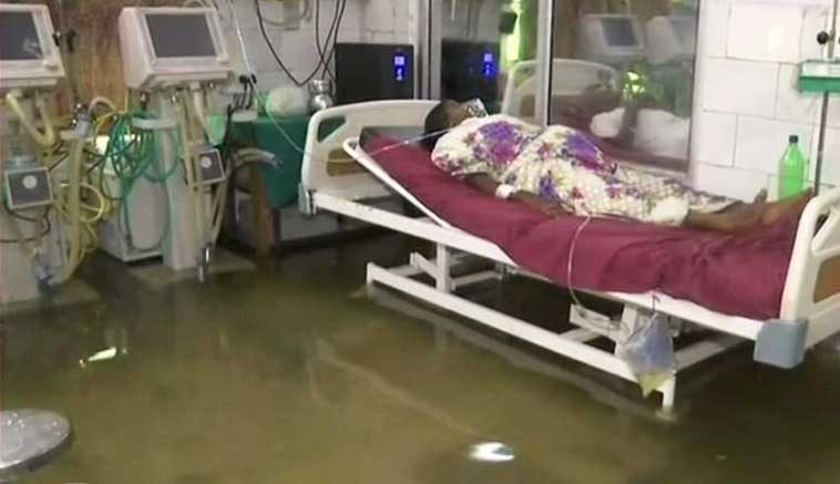 Patna's-Nalanda-Hospital-Flooded-With-Rainwater,-Fish-Swim-inside-ICU